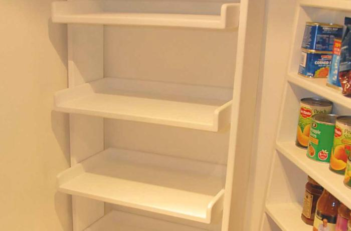 Ladder Shelving Unit Photo 02